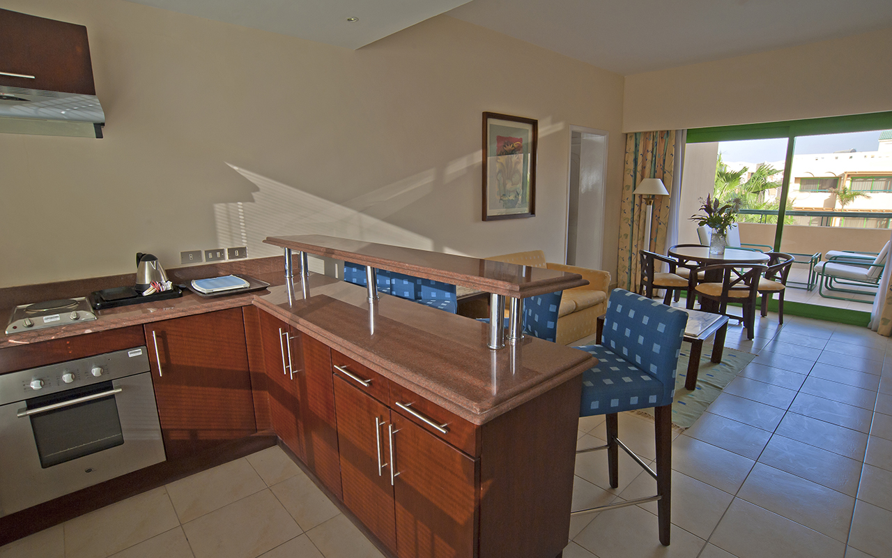 Family Suite Kitchenette 2