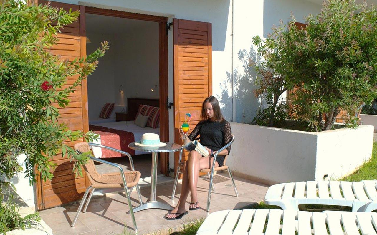 Family-suite-terrace