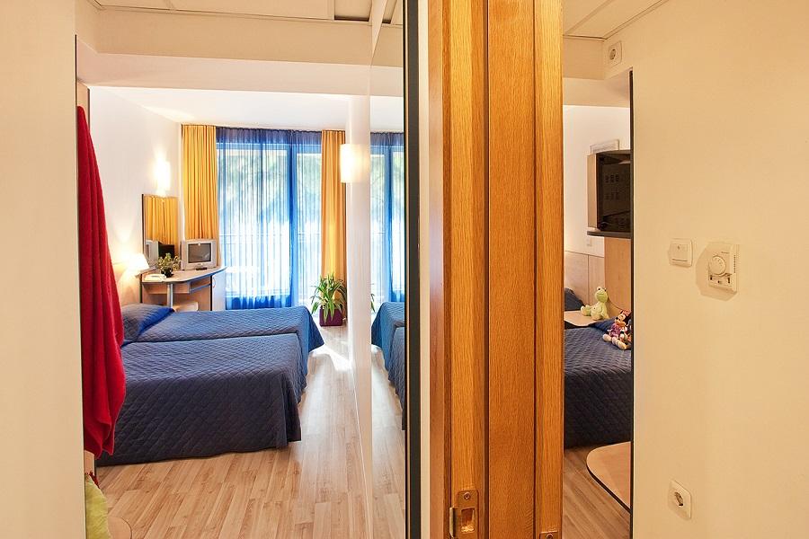 Family_room_head_hotel_madara05