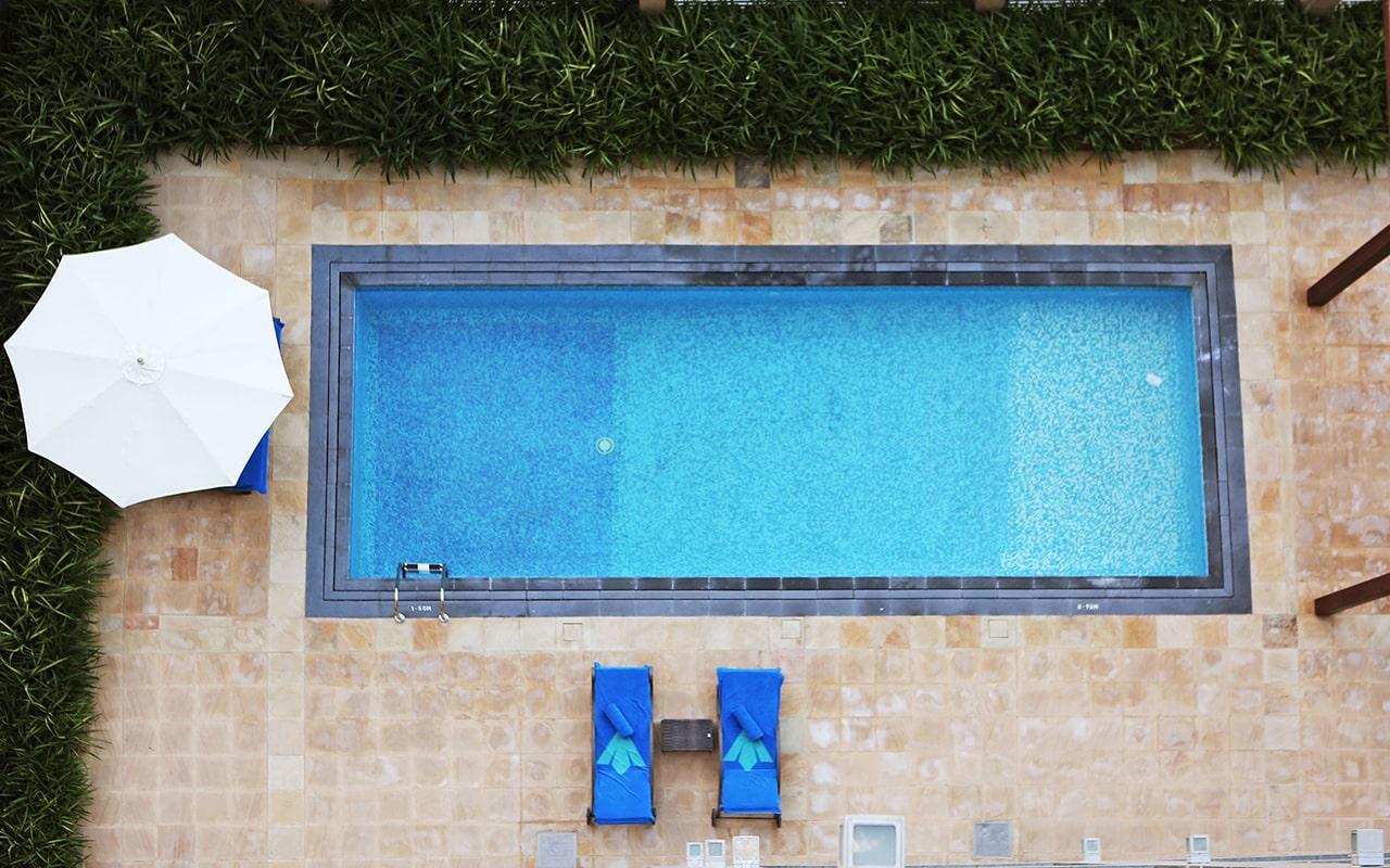 Five-Bedroom-Pool-Suite2-min