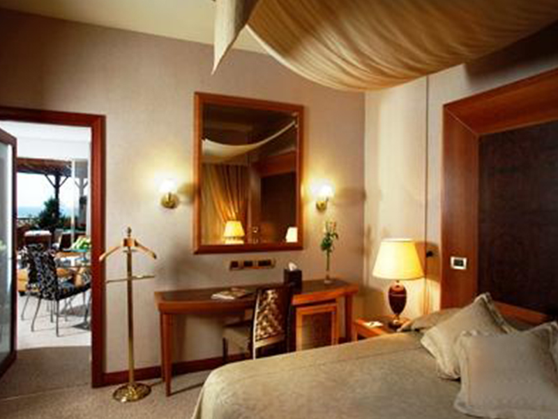 Four Seasons Hotel (44)