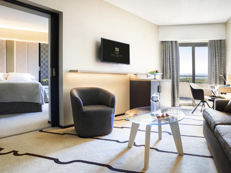 Four Seasons Hotel (49)