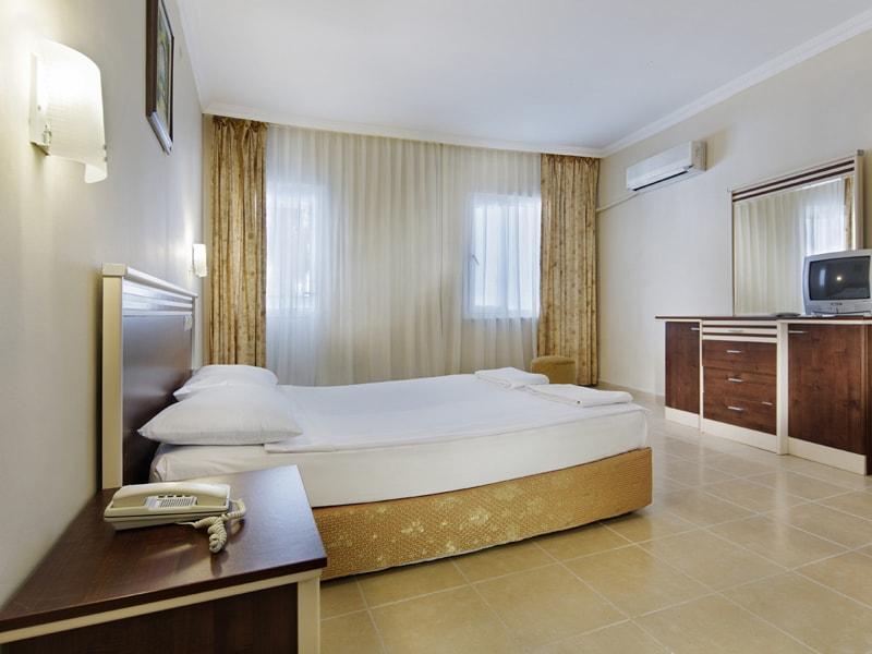 Ganita Larissa Beach Hotel (9)