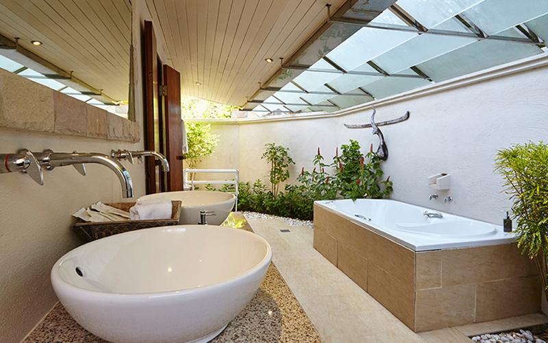 Garden Jacuzzi Villa