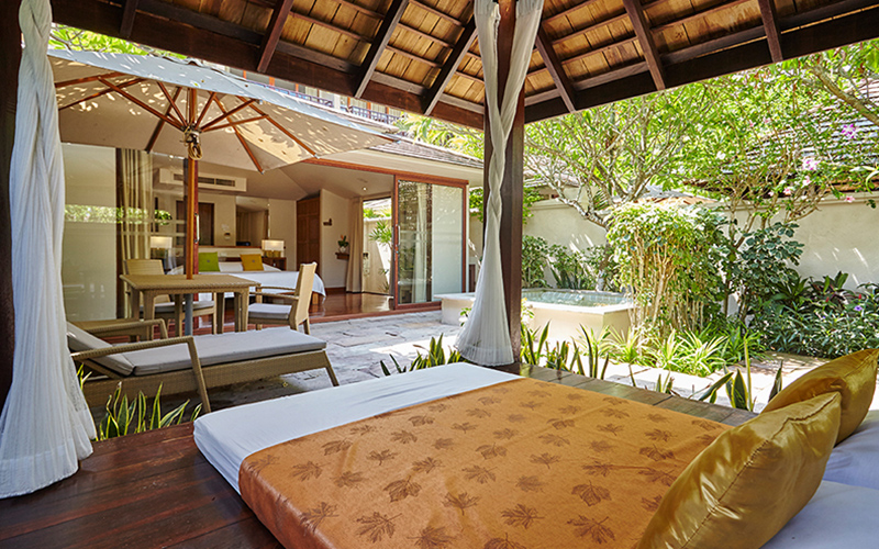 Garden Jacuzzi Villa6