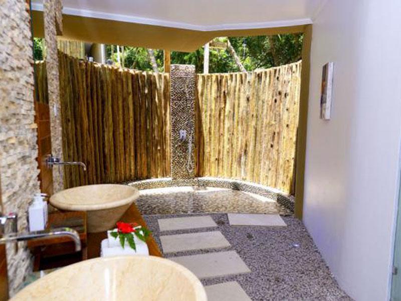 Garden-Suite-Bathroom