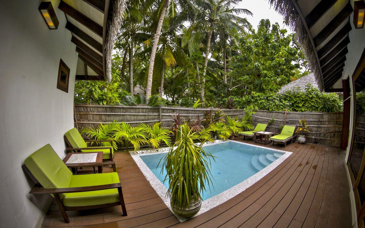 Garden Villa with pool (2)