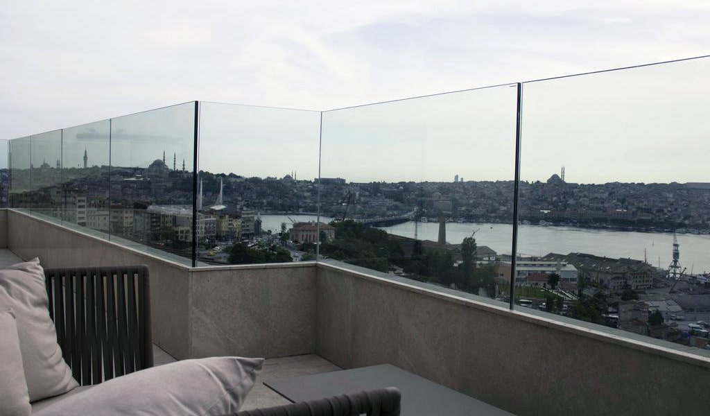 Golden Horn Panoramic Suite with Sea View - Business Lounge Access 2-min