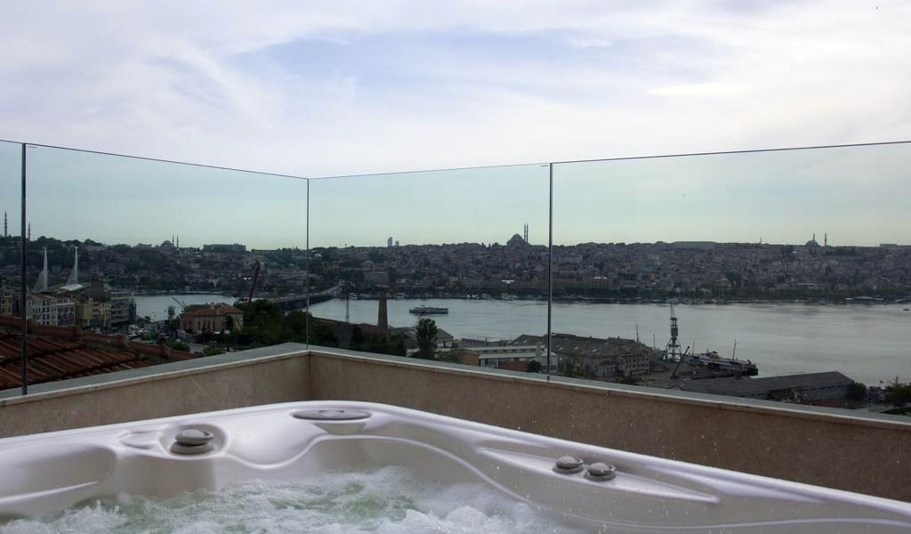 Golden Horn Panoramic Suite with Sea View - Business Lounge Access 3-min