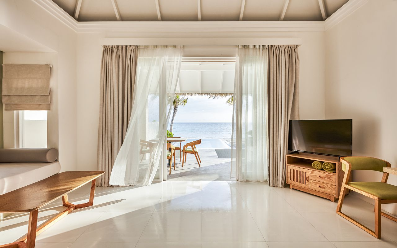 Grand Beach Suite with Pool (4)