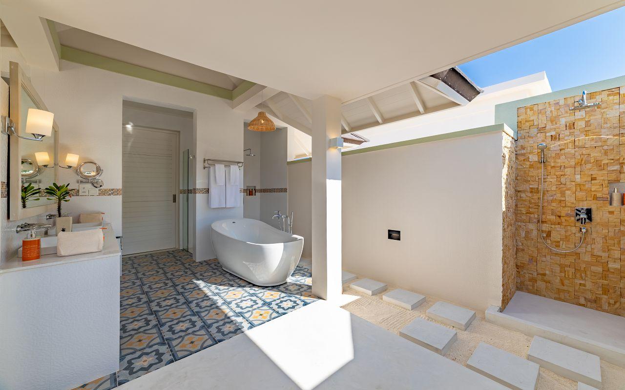 Grand Beach Villa with Pool (10)