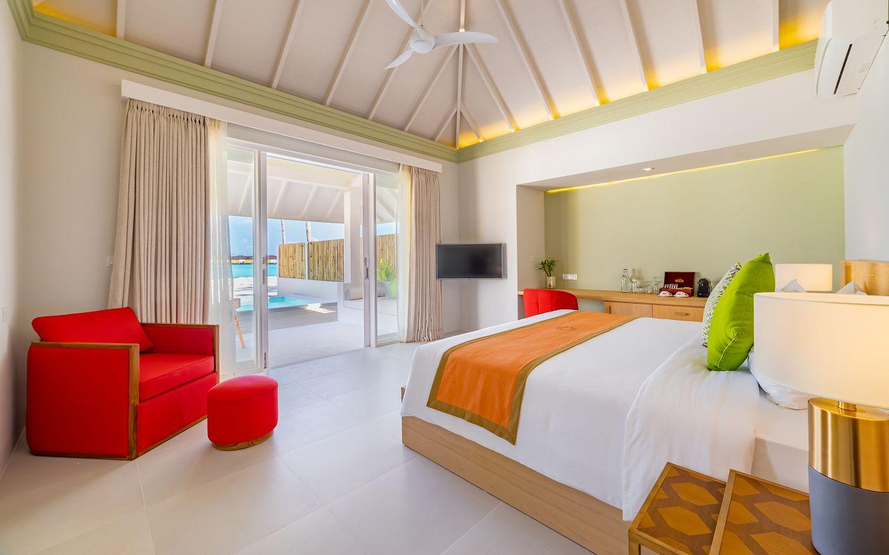 Grand Beach Villa with Pool (12)