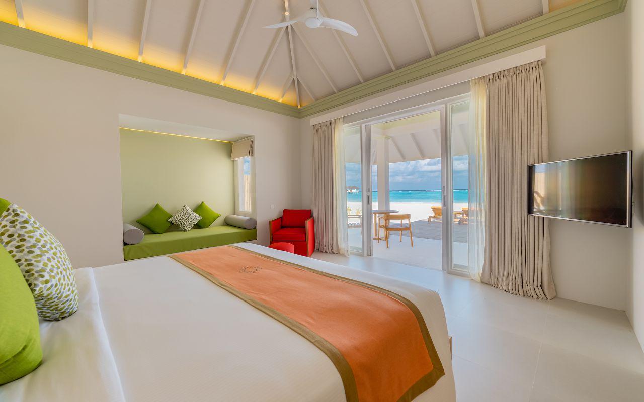 Grand Beach Villa with Pool (13)