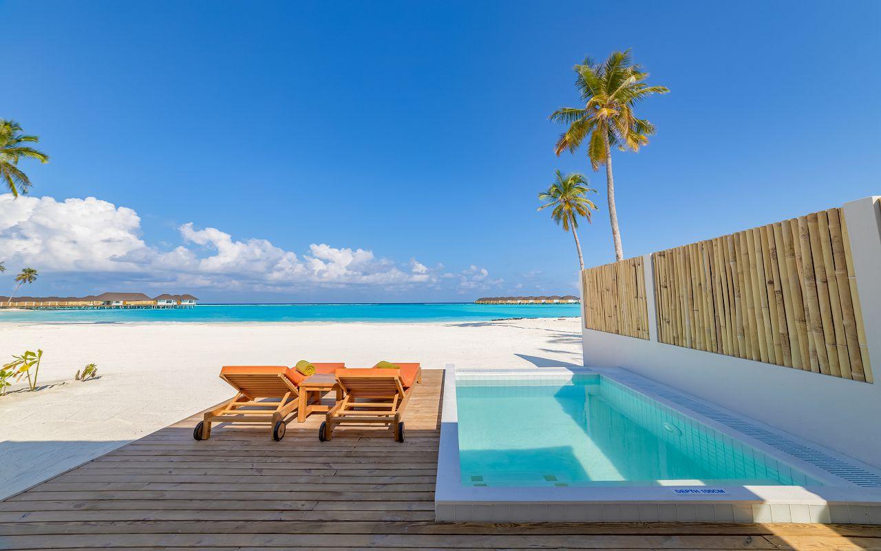Grand Beach Villa with Pool (15)