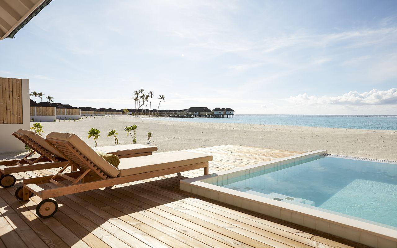 Grand Beach Villa with Pool (17)