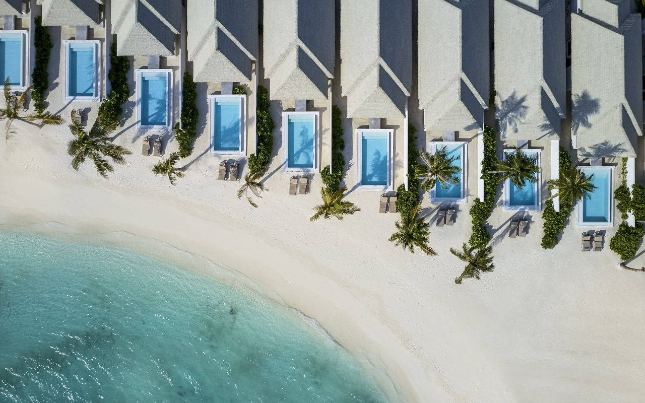 Grand Beach Villa with Pool (4)