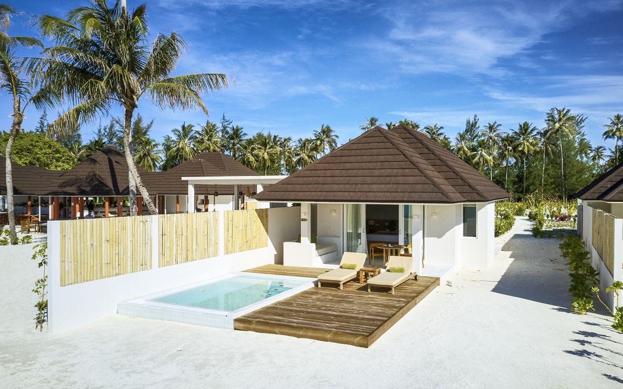 Grand Beach Villa with Pool (5)
