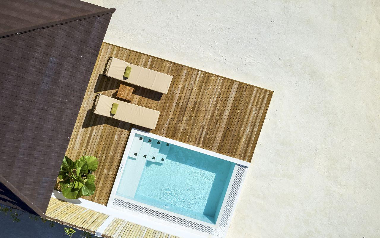 Grand Beach Villa with Pool (7)