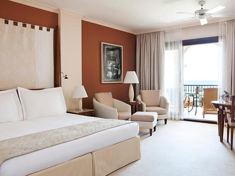 Grand Deluxe Room9