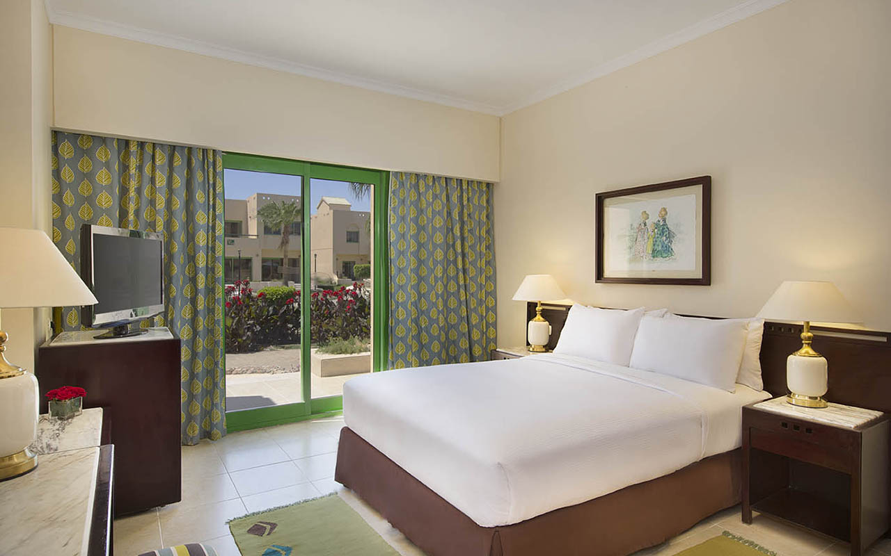 Hilton_Hurghada_Resort standard villa area_00263