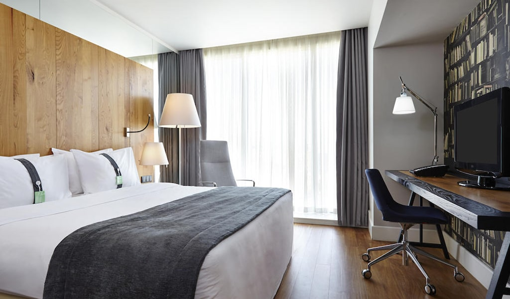 Holiday Inn (17)