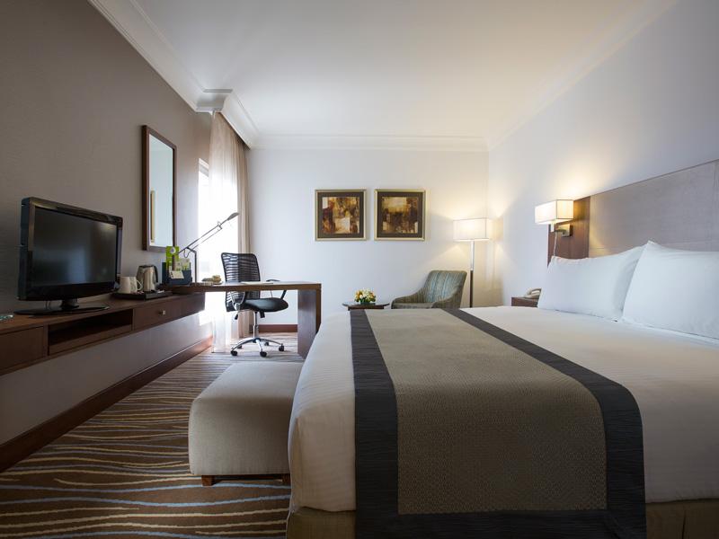 Holiday Inn Abu Dhabi (4)