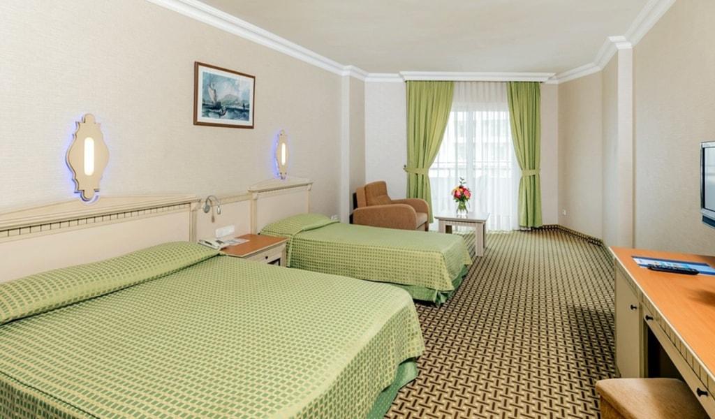 Holiday Park Resort Hotel (3)