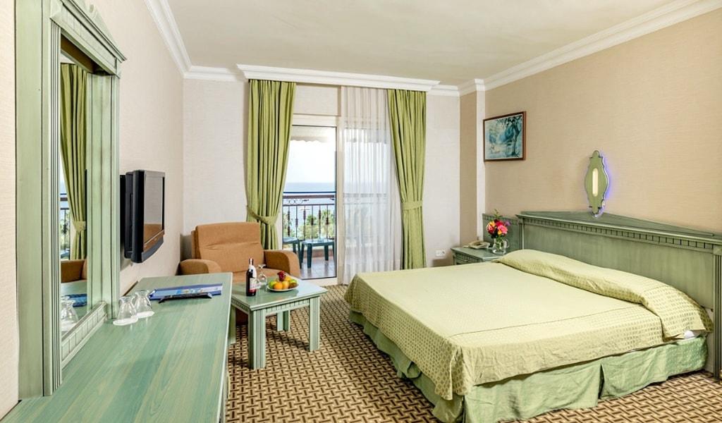 Holiday Park Resort Hotel (6)