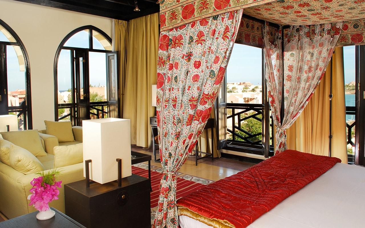 Honeymoon Suite-min