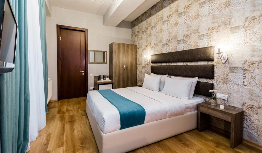 Hotel Diamond Dat Exx company_02-min