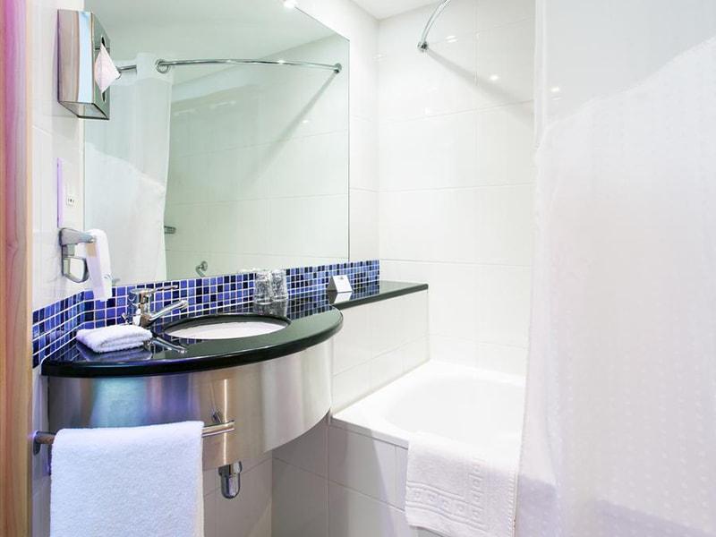 Hotel Holiday Inn Express Lisbon-Oeiras (24)