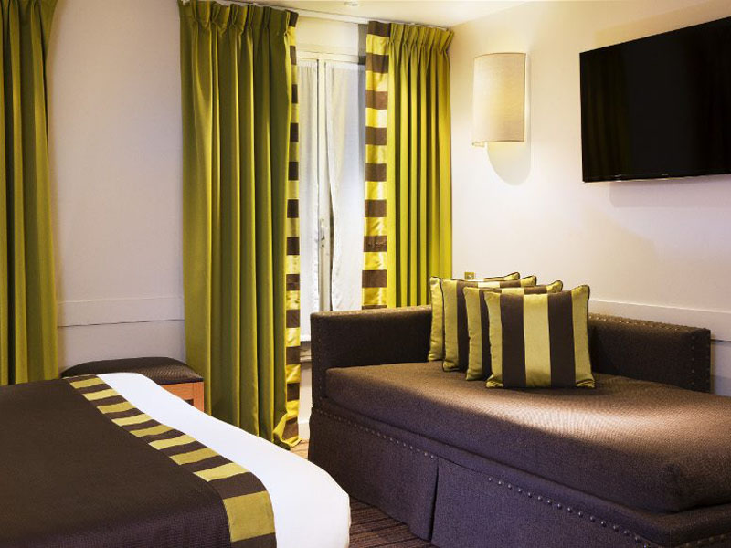 Hotel-Mondial-Famille-Chambre-Famille-101-2-G-870x580