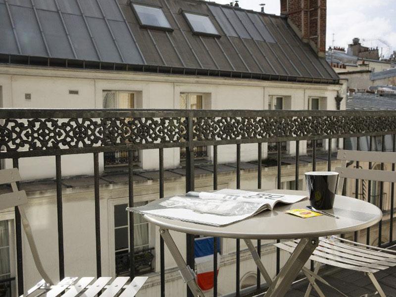 Hotel-Mondial-Paris-Chambre-Double-Balcon-Balcon-3-G-870x580