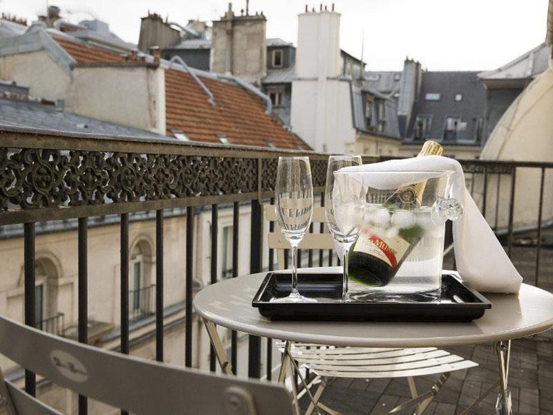 Hotel-Mondial-Paris-Chambre-Double-Balcon-Balcon-G-870x580