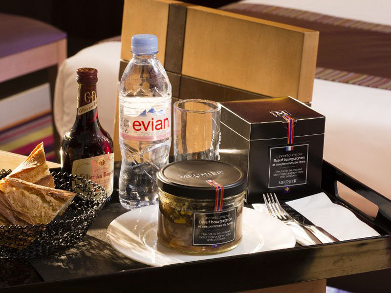 Hotel-Mondial-Paris-Chambre-Double-Balcon-Room-Service-G-870x580