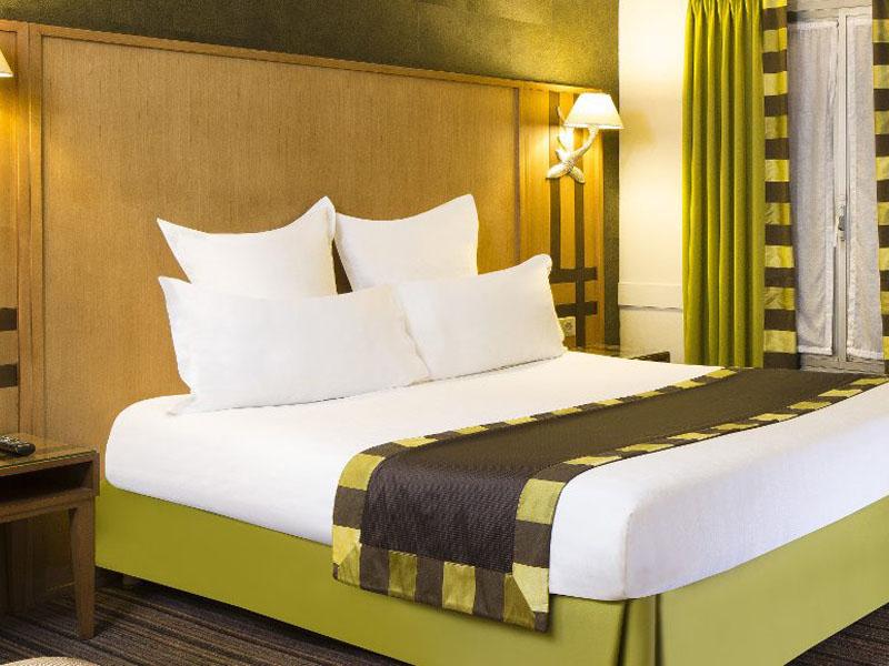 Hotel-Mondial-Paris-Chambre-Double-Confort-101-G-870x580