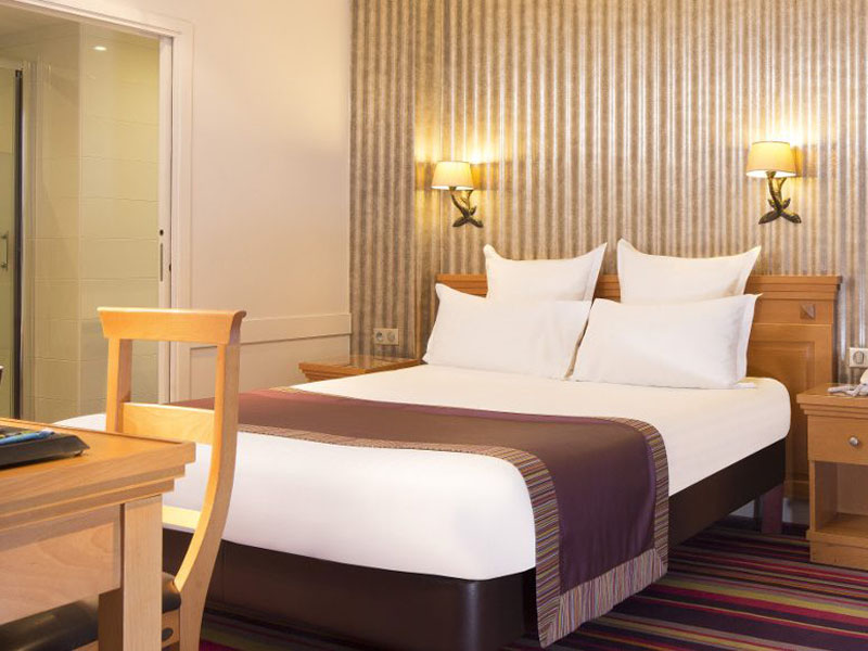 Hotel-Mondial-Paris-Chambre-Double-Single-309-G-870x580
