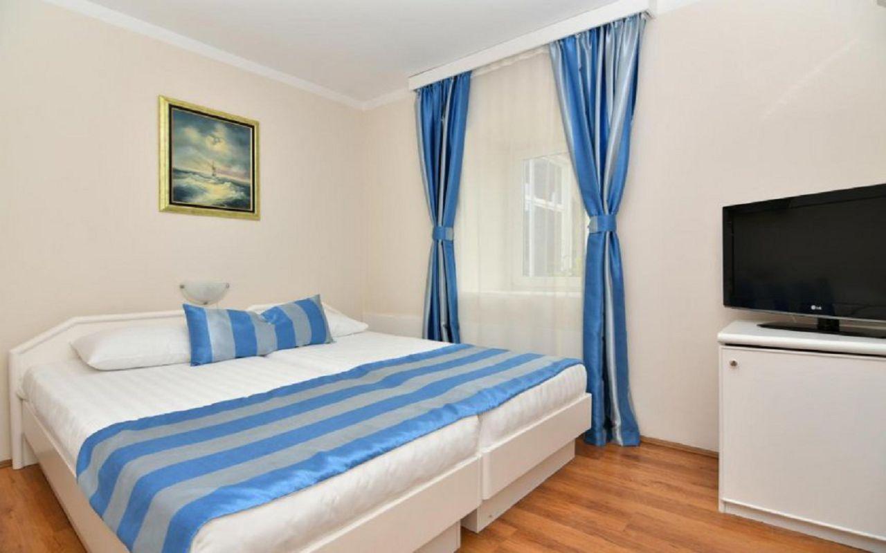 Hotel-Xanadu-room_3