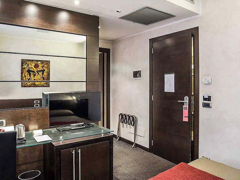 Hotel_Accademia_Travel_Roma_-_Rome__Italy51