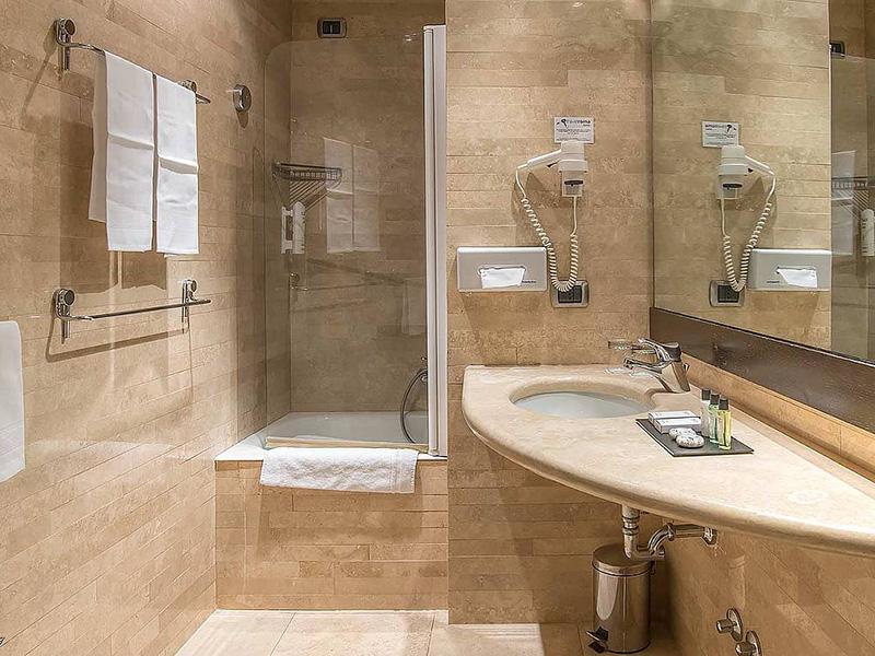 Hotel_Accademia_Travel_Roma_-_Rome__Italy53