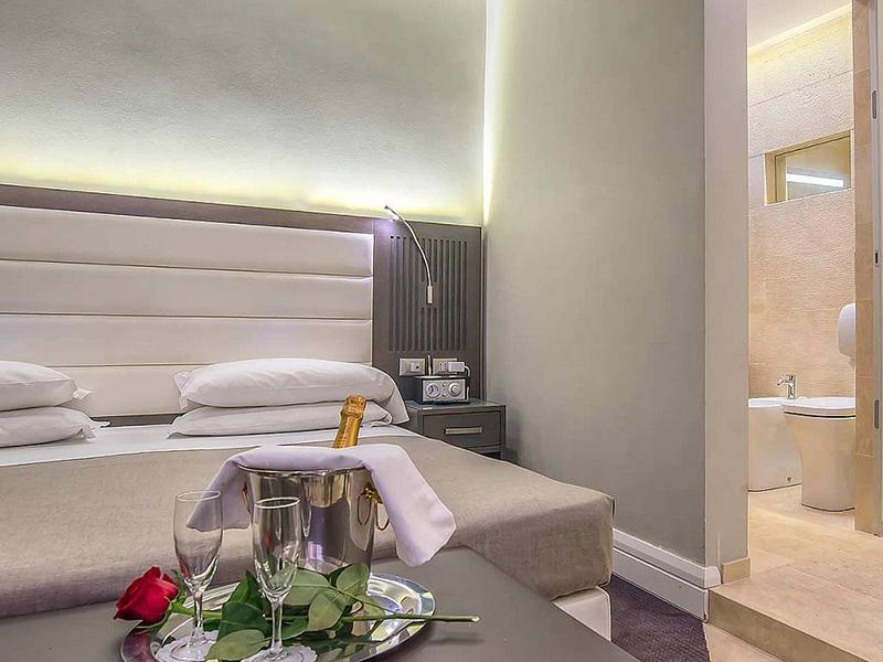 Hotel_Accademia_Travel_Roma_-_Rome__Italy75