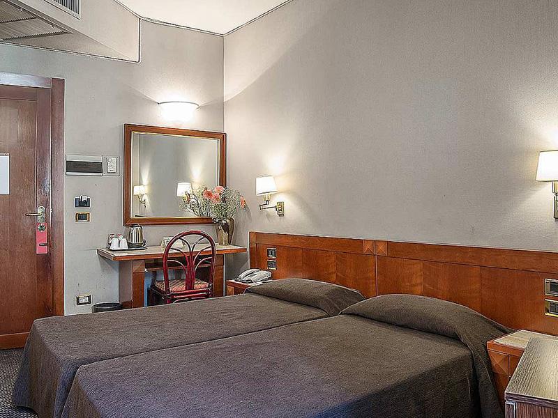 Hotel_Accademia_Travel_Roma_-_Rome__Italy82