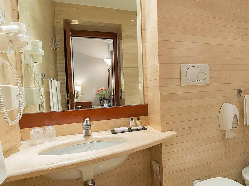Hotel_Accademia_Travel_Roma_-_Rome__Italy84