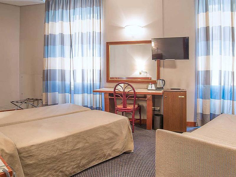 Hotel_Accademia_Travel_Roma_-_Rome__Italy85