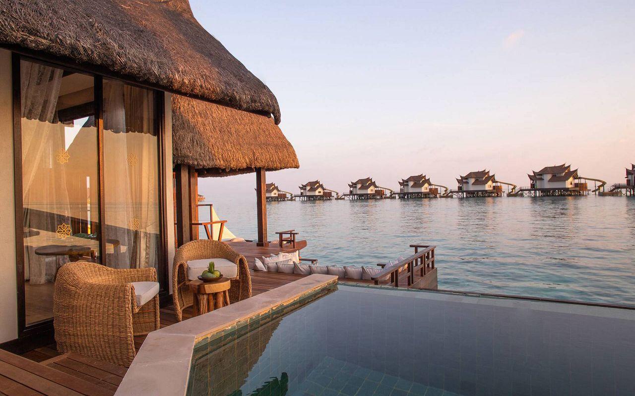Infinity Pool Ocean Villa with Slide (9)
