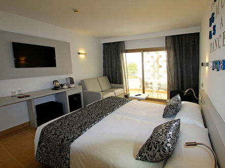 JUNIOR SUITE WITH SPA ACCESS 3 AD2