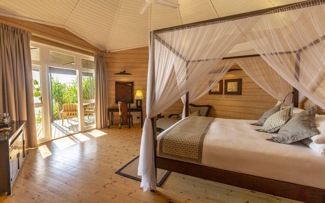 Jacuzzi Beach Villa (13)