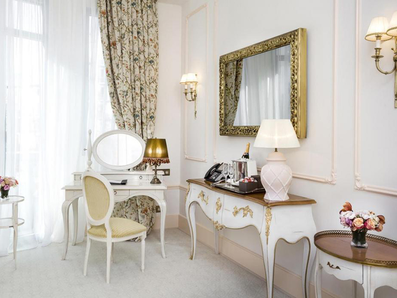 Josephine Baker Suite2