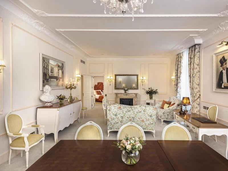 Josephine Baker Suite3