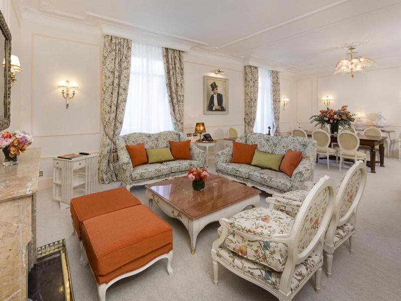 Josephine Baker Suite4
